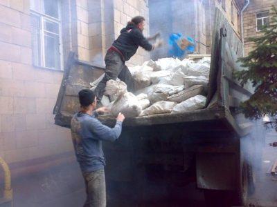Вывоз строительного мусора в комплексе демонтажных работ и ремонта под ключ в Казани